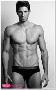 Adam-Nicklas-foto-sin-ropa