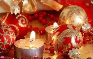 postal de navidad, adornos navideños, bolas para el árbol, felicitación navideña