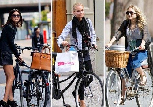 famosas en bici