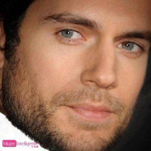 foto hombre atractivo ojos azules