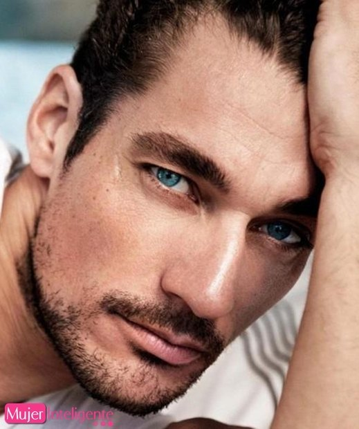 chicos guapos con ojos azules